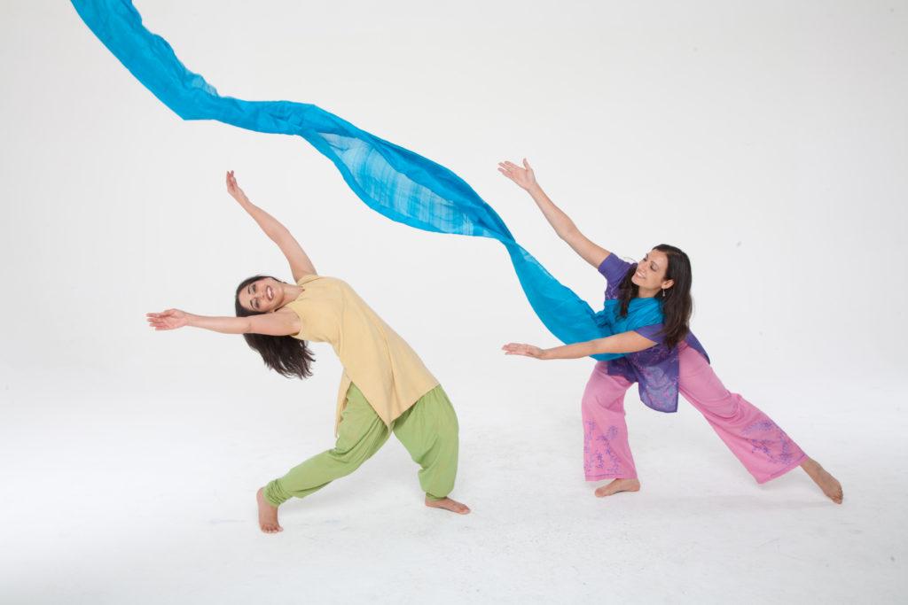 Dancing Storytellers(1)